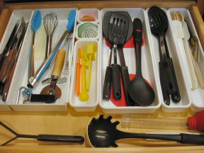 how to organize kitchen drawers kitchen organization 7299